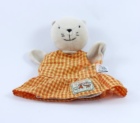 grande famille marionnette agathe chat robe orange